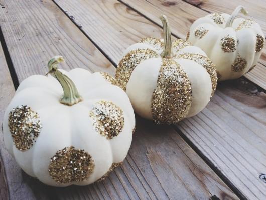 DIY Pumpkins - Glitter Pumpkins