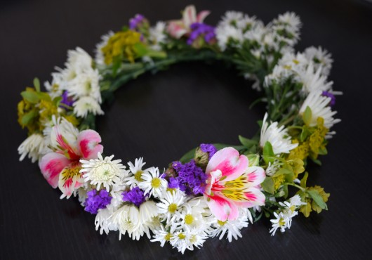 Honestly WTF   DIY Midsummer Flower Crown