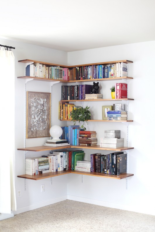 A Beautiful Mess - BUILD & ORGANIZE A CORNER SHELVING SYSTEM