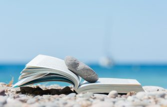 6 Books you should take with you on the trip