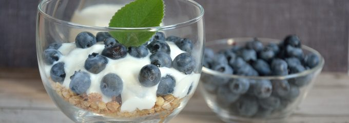 yogurt with blueberries